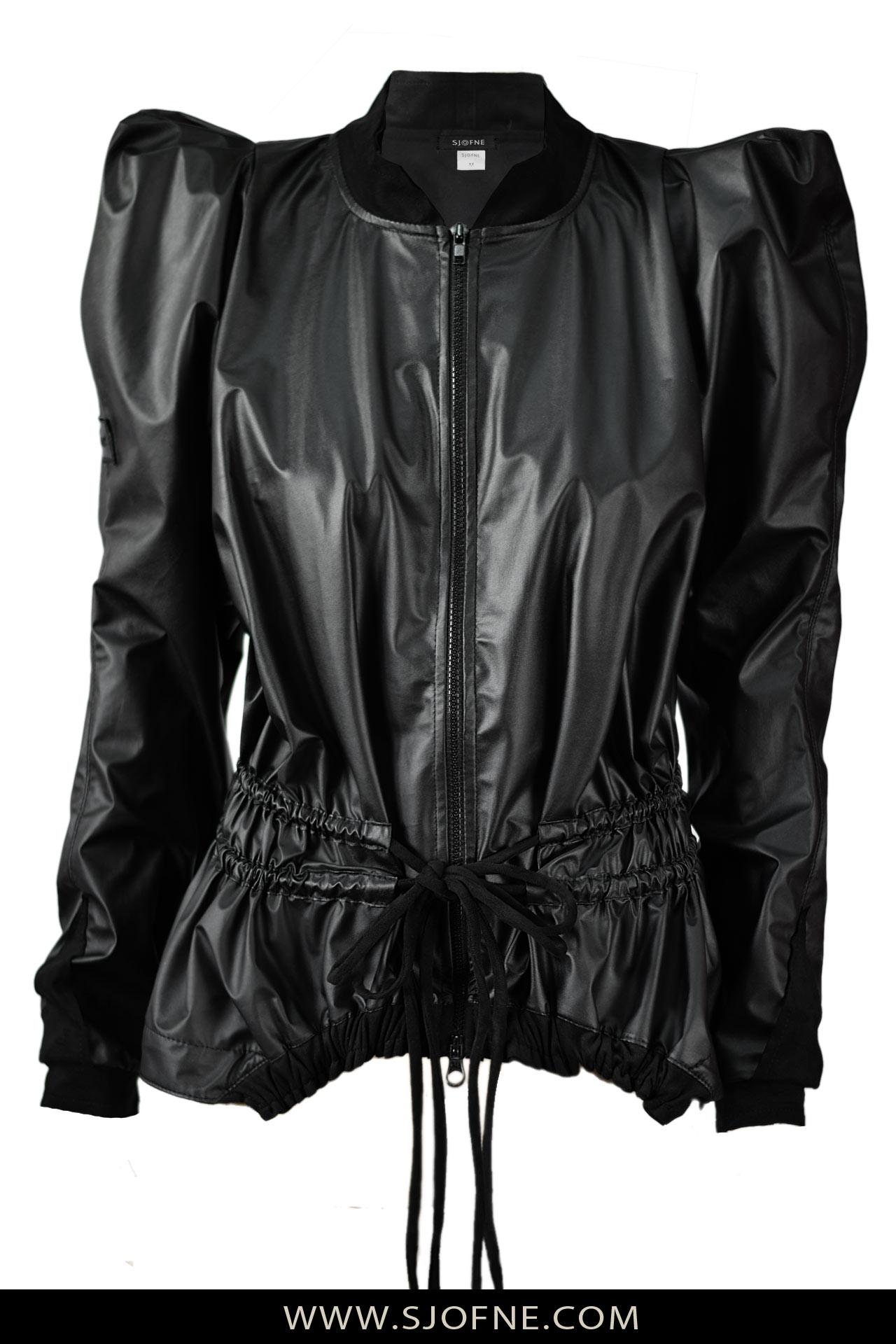 czarne kurtki damskie z rekawami falbany